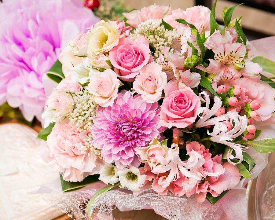 記念日にご予約で花束手配できます♪