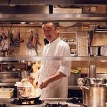 シェフ梅原博克が腕をふるう、豊かで力強い伝統トスカーナ料理