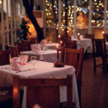 グラステラスはお2人でのデートや会食から、大人数でのご宴会まで様々なシーンにご活用いただけます
