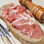 本場イタリア産の食材を銀座で味わえる。絶品料理をご堪能下さい