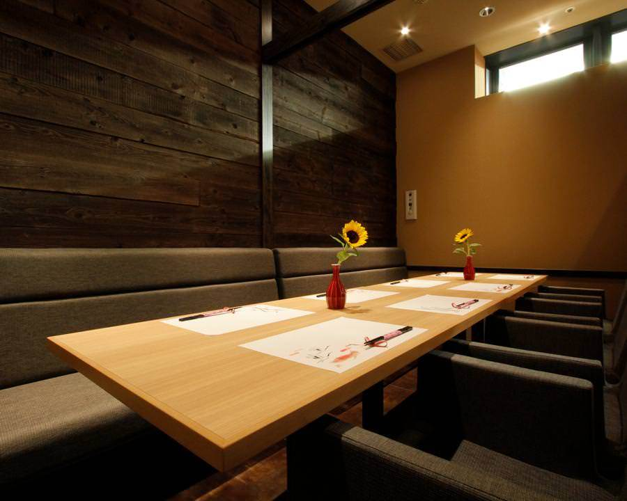 テーブル席・完全個室(壁・扉あり)・6名様~12名様