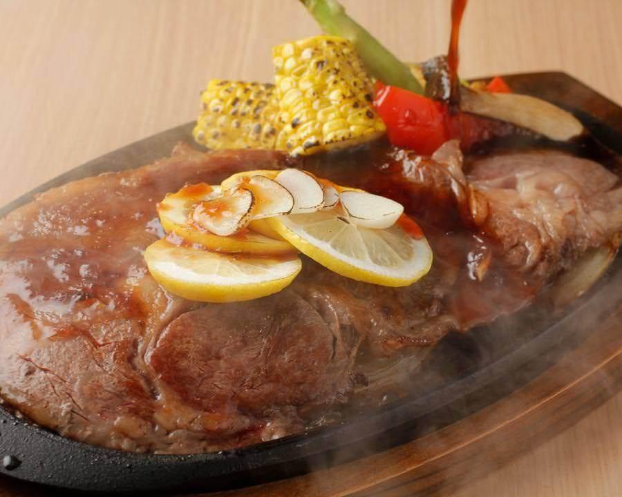 ボリューム満点!熊本阿蘇のあか牛鉄板ステーキ!