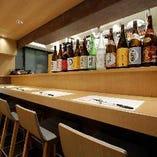 熊本の焼酎ボトルがズラリと並ぶカウンター席(2~4名様)