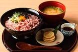 熊本県産馬トロフレークご飯