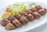 ペルシャ料理 ディナーセット ケバブクビデ(ミンチのラム&ビーフの串焼き)