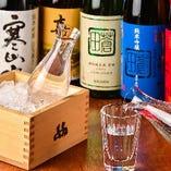 獺祭、東洋美人などプレミアム日本酒など季節のものを仕入れます