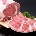 お出しする肉は全て、名産松阪肉専門「朝日屋」が厳選した松阪牛