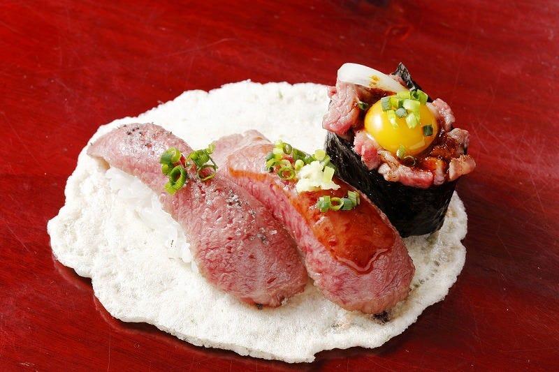 行列の絶えない飛騨牛握り寿司専門店。 上三之町に来たら是非。