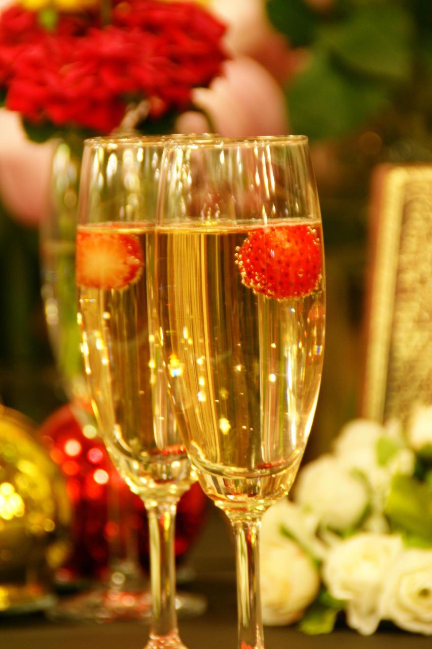 記念日にシャンパンで乾杯 800円~
