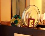 京焼、備前、バカラなど美しい器の数々も楽しめる。
