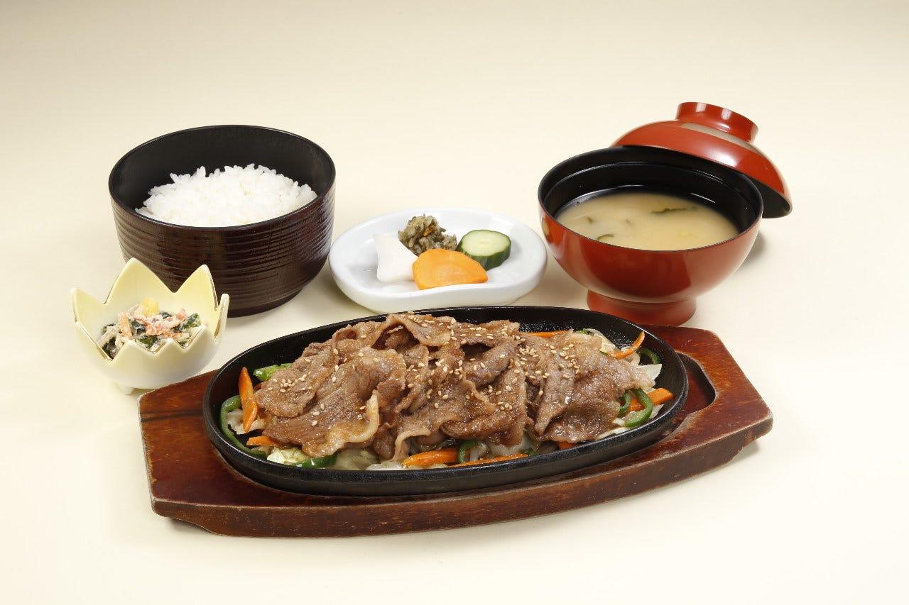 野菜たっぷり焼肉定食(1,078円)