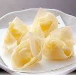 チーズ入り揚げワンタン
