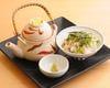 【飯物】  鮭と野沢菜の混ぜご飯と土瓶蒸し
