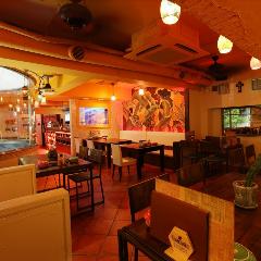 メキシコの古き良き町並みをイメージしたおしゃれな店内