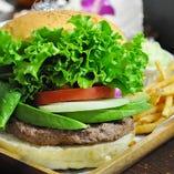 ハンバーガー、各種スムージーのテイクアウトできます!!