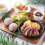 ◆モチコチキンお好きな料理を選んで作る『ハワイアン コンボプレート』