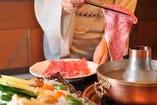 【仙台牛しゃぶしゃぶ ¥11,000】A5ランクの仙台牛を使用したしゃぶしゃぶコース。三太郎秘伝のごまだれが仙台牛の旨味を最大限に引き出します。