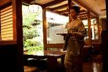 三太郎では着物を来た仲居が和のおもてなしをさせて頂きます