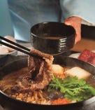 親方が目利きした国産和牛のすき焼きを三太郎秘伝の割り下でご堪能ください。