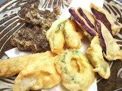 島野菜の沖縄天ぷら盛り合わせ