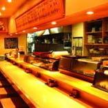 カウンター席は寿司屋の醍醐味です!