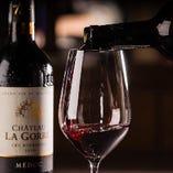 ソムリエがお客様のお好み、お料理に合わせたワインをご提案いたします。