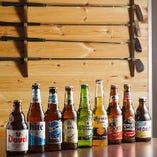 中でもイチオシは、オレンジピールの爽やかな香りやドライな喉越しが魅力のベルギー産ホワイトビール「ヴェデット」やベルギー産の「モルガットデュベル」です!