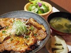 和食と豚みそ丼 ちんばた