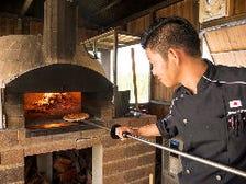 本格的な窯焼きピザ
