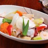 温泉玉子と温野菜のサラダ