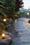 夜の日本庭園もぜひご覧ください。