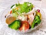 シェフのきまぐれ野菜サラダ