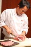 食肉卸の会社が経営し、こだわりの旨味溢れる肉を提供致します。