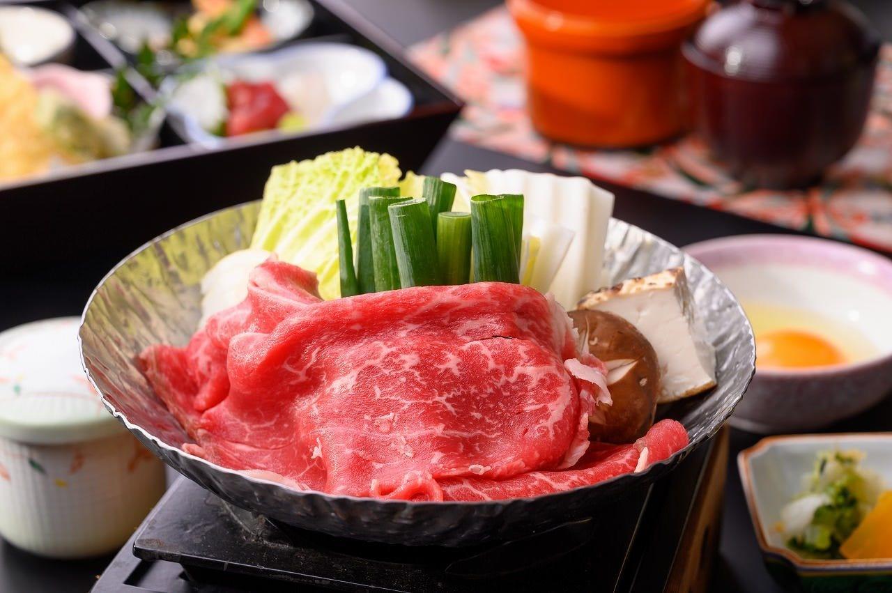 松花堂御膳とすき焼き鍋