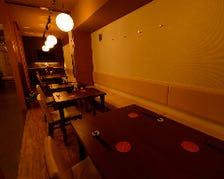 個室感覚で使えるテーブル席