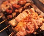 備長炭でじっくり焼いた串焼きは、ジューシー&炭の香りが口にひろがります!
