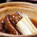 黒豚や牛肉など食べ応えのある一品料理も多彩にご用意しています