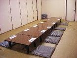 二階の大部屋を仕切ると30~35名様と15名様の小部屋になります(写真は15名様の小部屋)