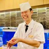職人が握る本格寿司をカウンターでどうぞ