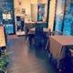 店内1階席。川越の街並みを見ながらお食事も。
