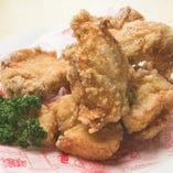 ビアホールの若鶏の唐揚げ(骨付き)