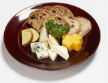 5タイプの味わいが魅力のチーズ盛り合わせ