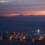 富士山や東京タワー、東京スカイツリー(R)の景色を堪能。