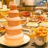 人気のチョコファウンテンや、ケーキ・タルト・パンケーキなども食べ放題♪