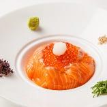 イクラとサーモンの海鮮親子飯