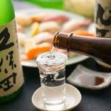 素材の味を活かした料理を、よりいっそう引き立てる日本酒。和食に合わせるなら日本酒が1番!