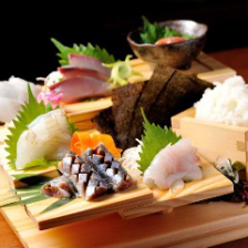 【名物】三陸鮮魚の階段盛り