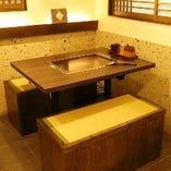 江戸情緒あふれるテーブル席