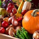 旬の野菜を仕入れ、鮮度にこだわり調理いたします。