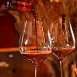 銀の串の料理によく合うワインございます。